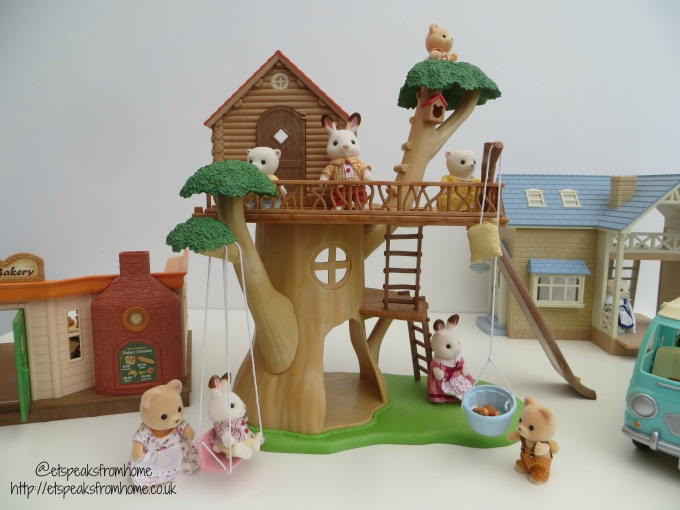 Sylvanian Families Treehouse playing
