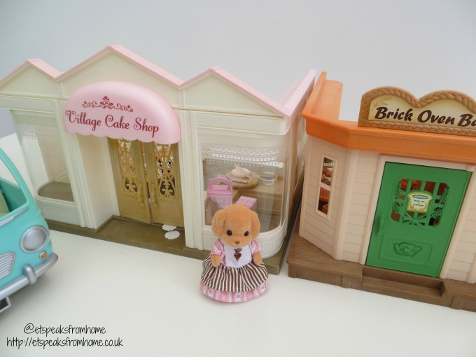 Sylvanian Families Village Cake Shop connectable