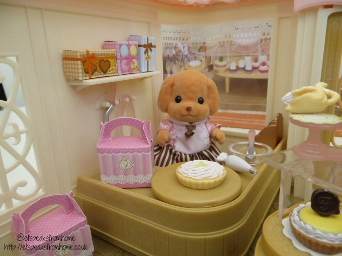 sylvanian families village cake shop dog