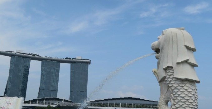 Visiting Merlion Park in Singapore