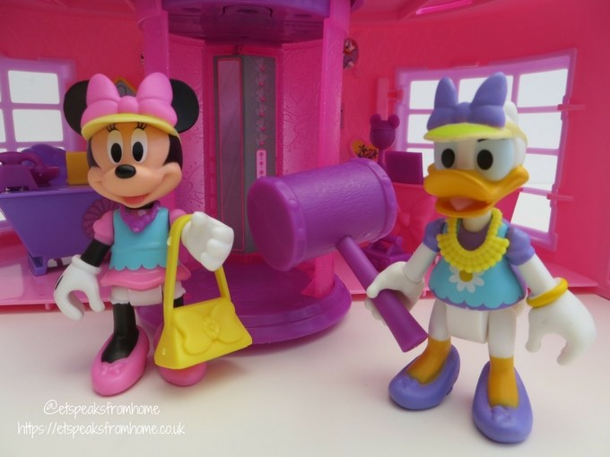 Minnie Mouse Happy Helpers House Review minnie daisy