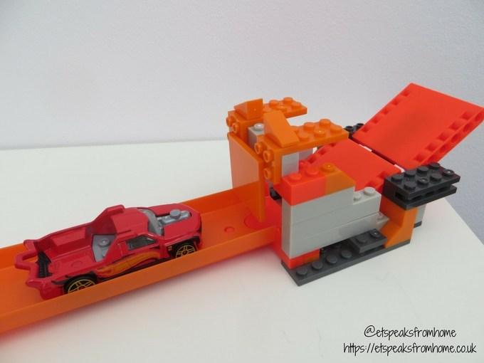 Hot Wheels Track Builder Stunt Bridge Kit third challenge