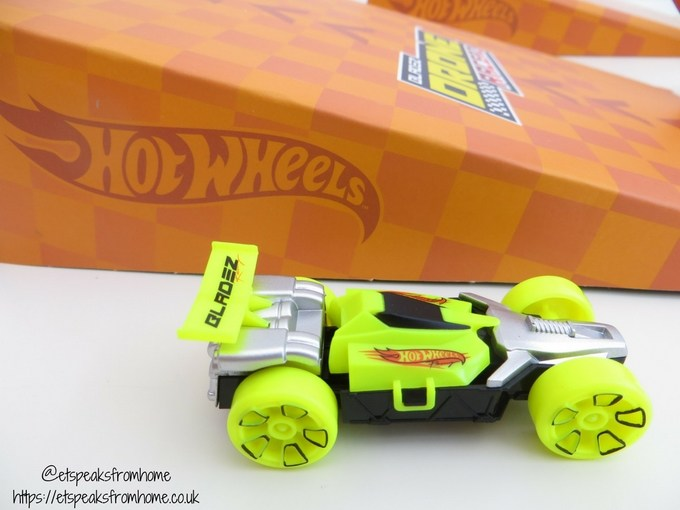 Hot Wheels RC Drone Racerz car