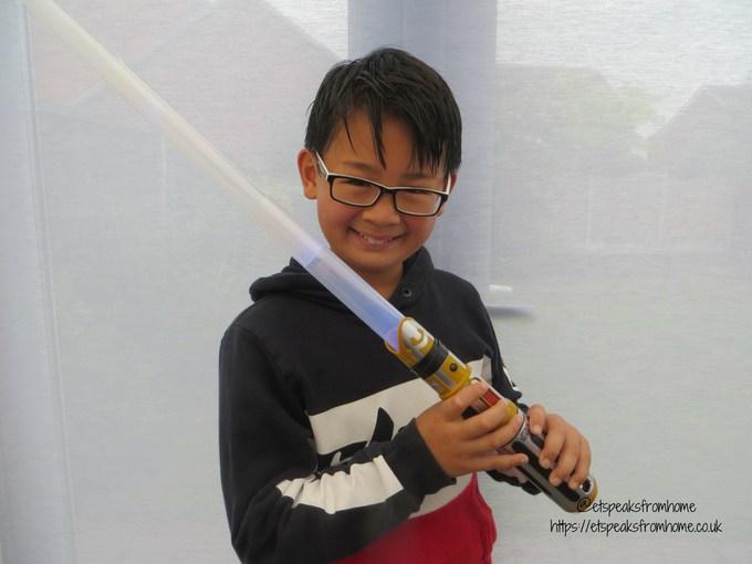Star Wars BladeBuilders Force Master Lightsaber playing