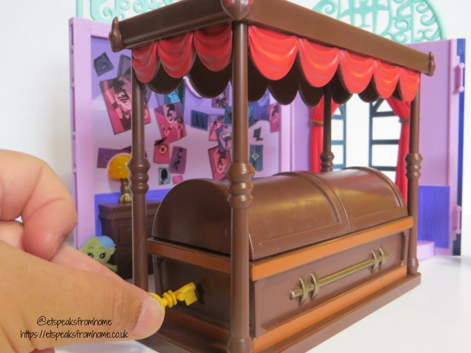 Hotel Transylvania 3 toy review ghostly goodnight coffin