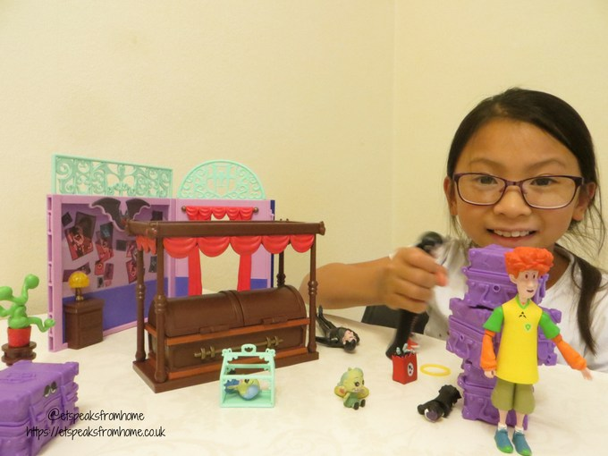 Hotel Transylvania 3 toy review ghostly goodnight playset playing