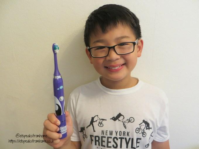 deeno-saur smart bluetooth toothbrush