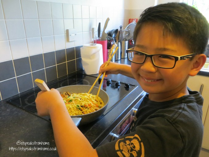 little foodies stir fried yellow noodles cooking