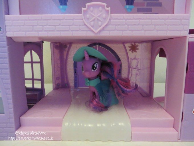 mlp Magical School of Friendship playset back middle