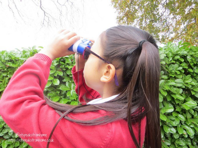 Discovery Young Explorer kit binoculars using