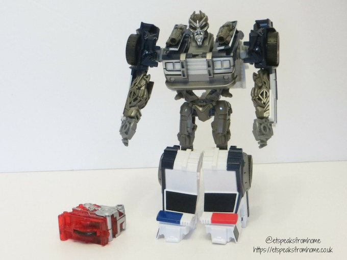 Transformers Barricade with Energon Igniters core
