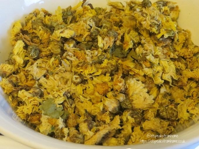 dry Chrysanthemum Tea
