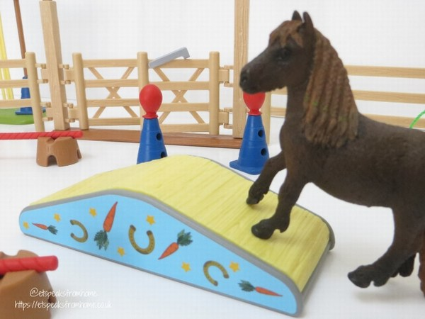 Schleich Pony Agility Training bridge