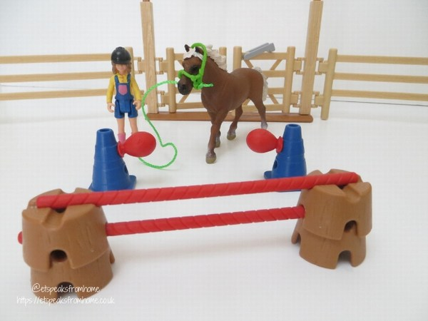 Schleich Pony Agility Training jump obstacle