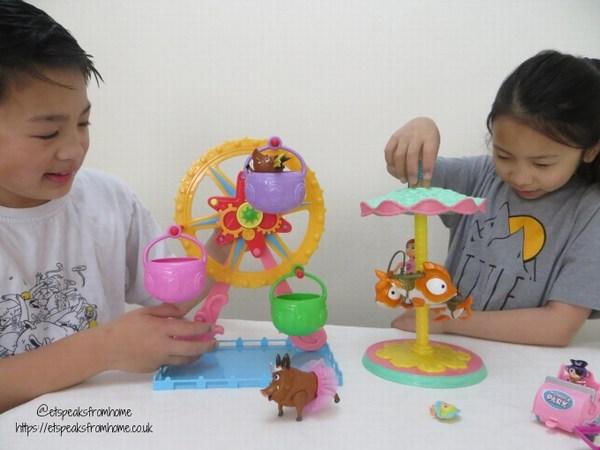 Wonder Park Ferris Wheel & Flying Fish Carousel playing