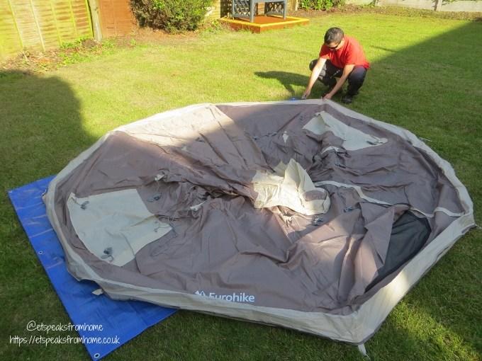 Garden Family Sleepover - Wild Night Out teepee setting ground sheet