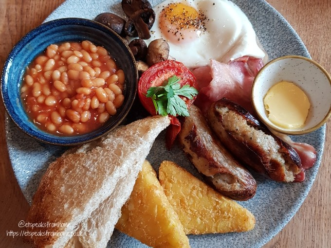 The Bulls Head Shenstone full english breakfast