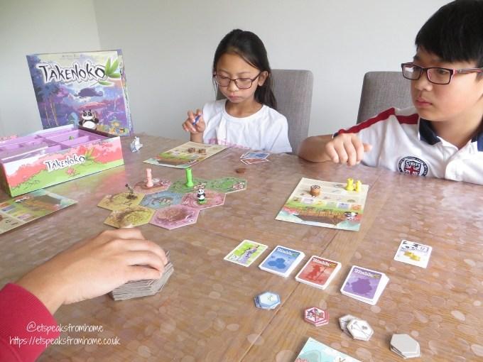 takenoko playing