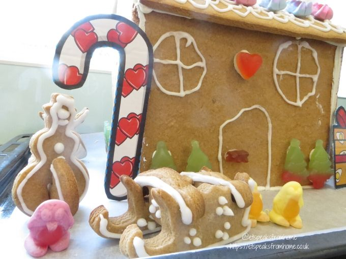 Gingerbread House with Haribo slege