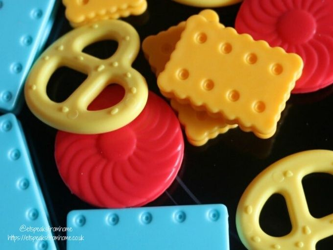 tomy greedy granny biscuits