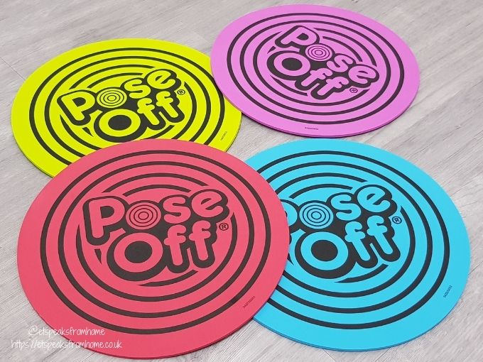 Pose Off place mats
