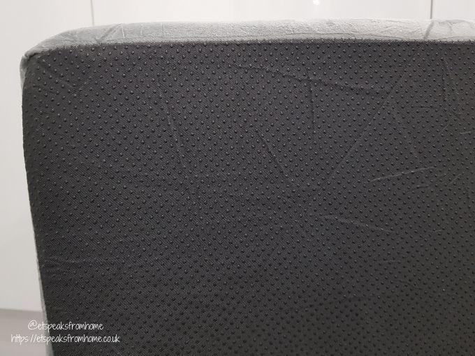 Bedsure Large Dog Sofa Bed bottom grip