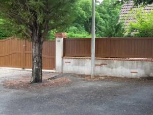 Portail et clôtures alu imitation bois à proximité de Pruniers