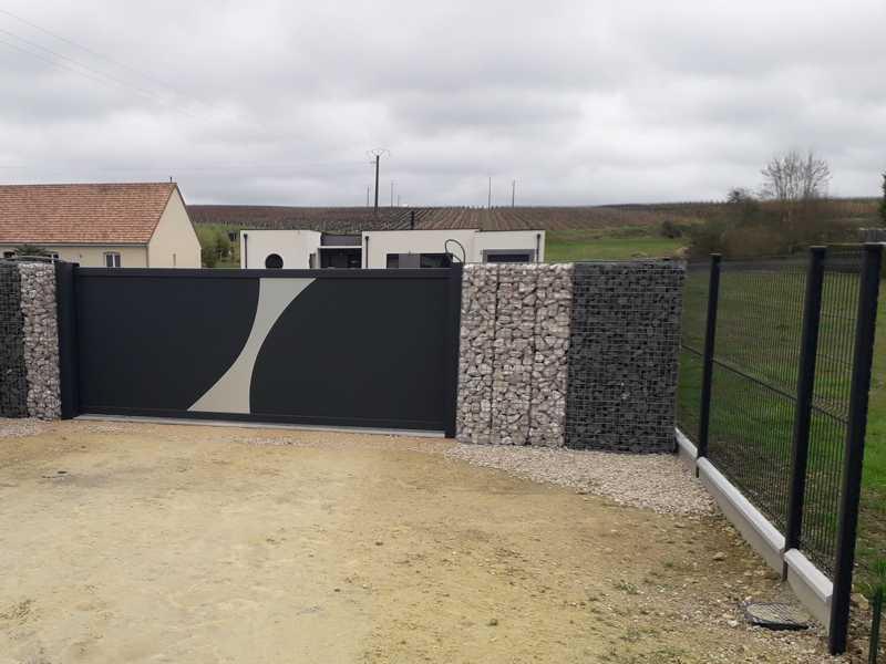 Portails alu avec clôture gabion