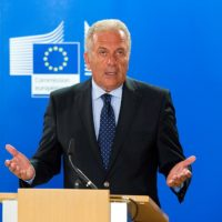 1024px-Press_Conference_by_Commissioner_Dimitris_Avramopoulos