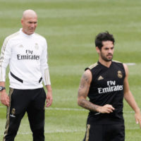 Zinedine Zidane and Isco Alarcón. Photo: ÁNGEL RIVERO MARCA