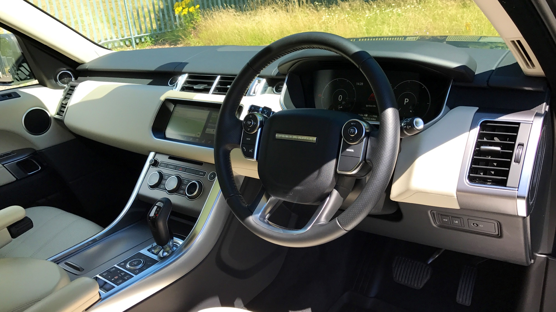 Used Land Rover Range Rover Sport HSE SD4 Grey LG17DYD