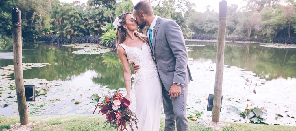 Casamento tropical - Meio do Mato Eventos - Foto Studio Couple - Eu Amo Casamento