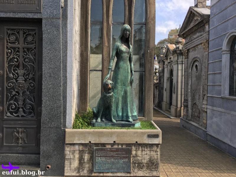 cemitério da recoleta buenos aires argentina Liliana Crociati e cachorro