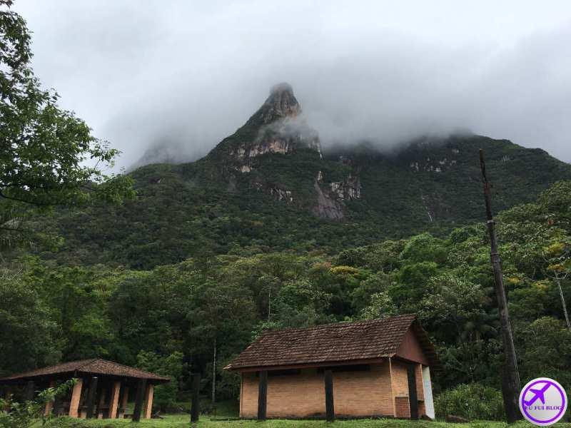 Morro da Serra do Mar do Trem para Morretes e Antonina em Curitiba - Paraná