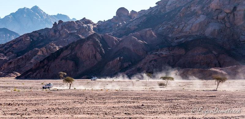 Jeep safari Egipt 1 - Egipt, destinaţia pentru vacanţe exotice la super-preţuri!