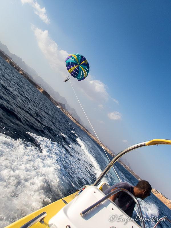 Parasailing1 - Egipt, destinaţia pentru vacanţe exotice la super-preţuri!