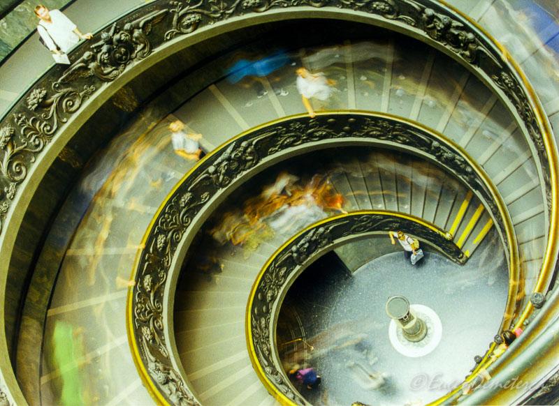 scara vatican - Călătoria, cea mai bună alegere pentru dezvoltare personală