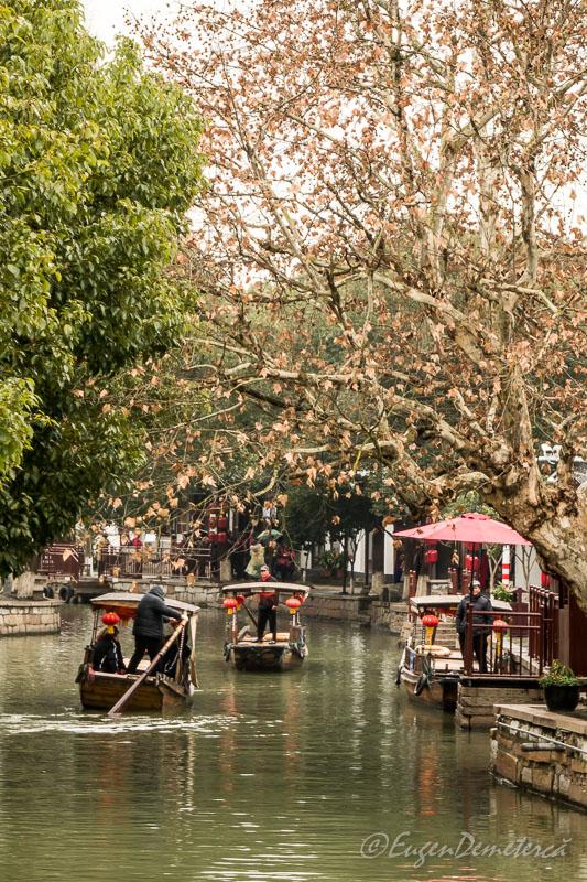 Gondole chinezesti in Zhujiajiao