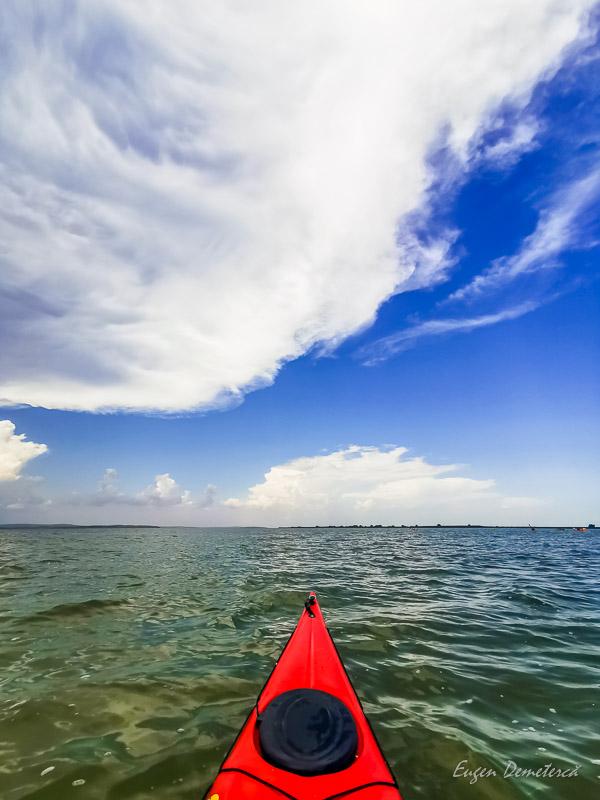 Nori pe lacul Golovita