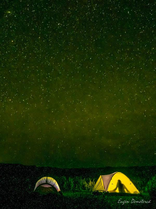 Corturi sub lumina stelelor in Delta Dunarii