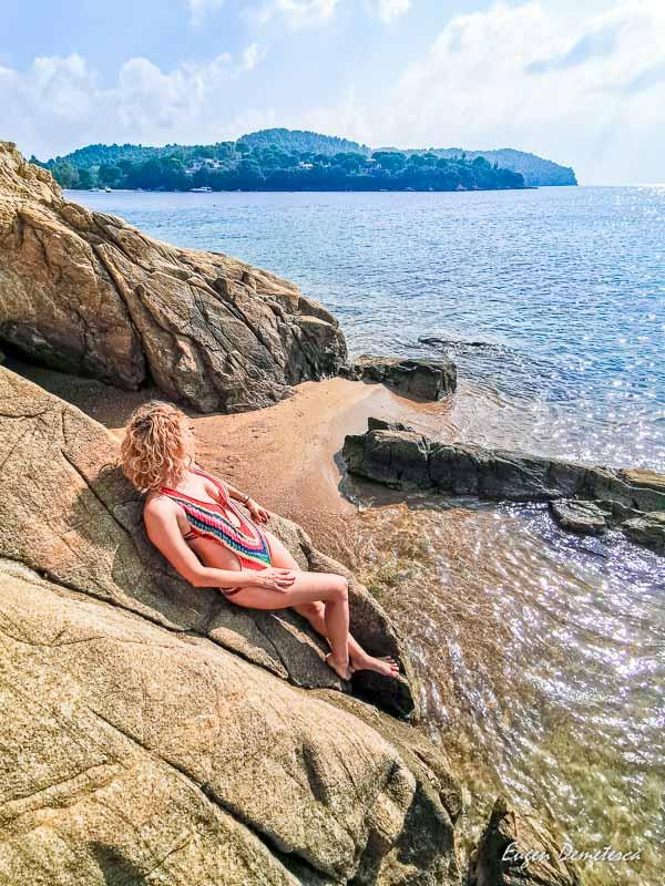 Elena pe plaja Agia Paraschevi - Skiathos 2
