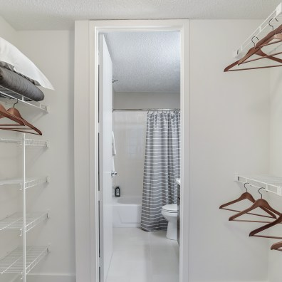 2BR | Walk-In Closet + Master Bath