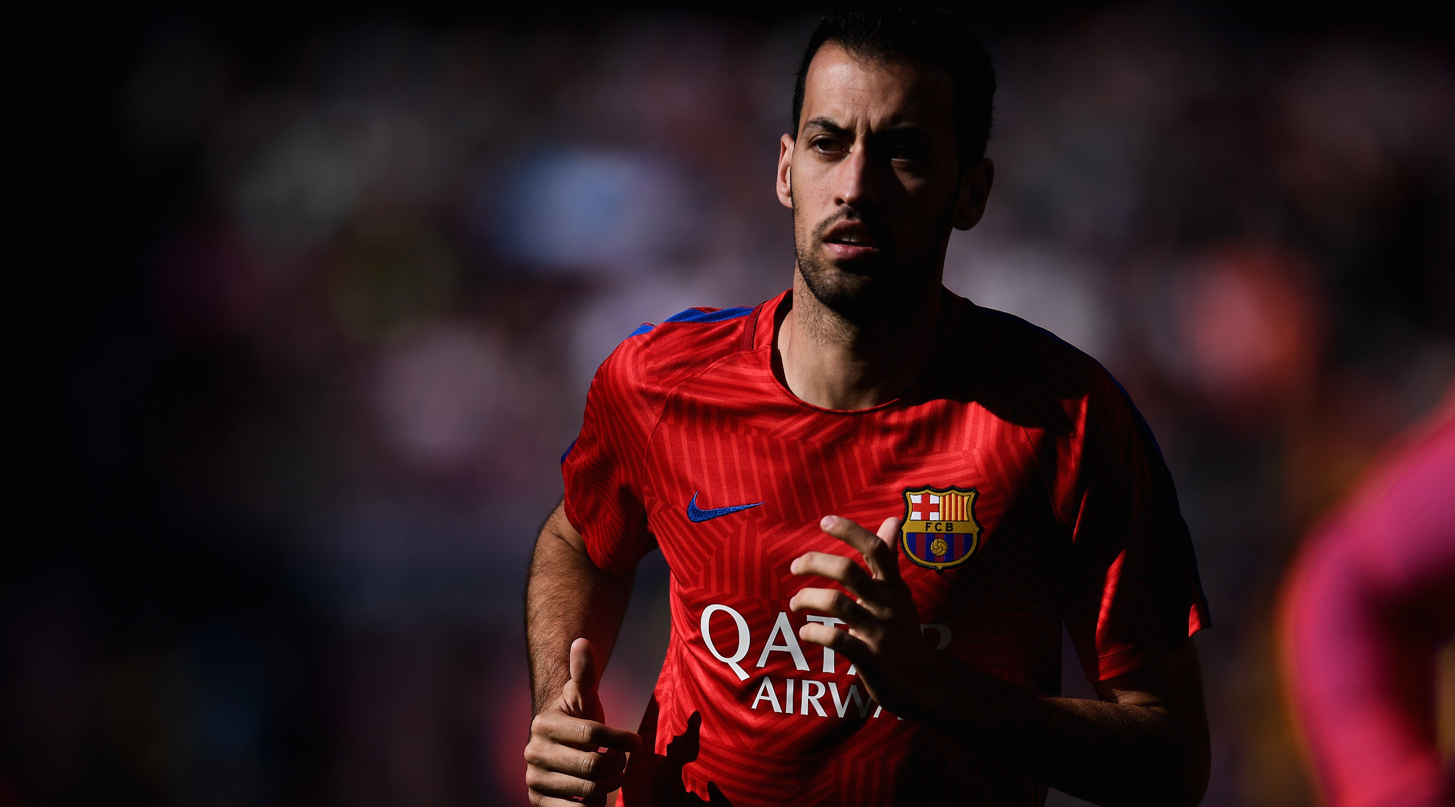 BARCELONA, SPAIN - OCTOBER 15: Sergio Busquets of FC Barcelona looks on during the warm up prior to the La Liga match between FC Barcelona and RC Deportivo La Coruna at Camp Nou stadium on October 15, 2016 in Barcelona, Spain. (Photo by David Ramos/Getty Images)