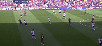 En el segundo tiempo el Barça volvió a utilizar al interior derecho para compensar a Messi, lo que devolvió a Dani Alves a su rol más centrocampista.
