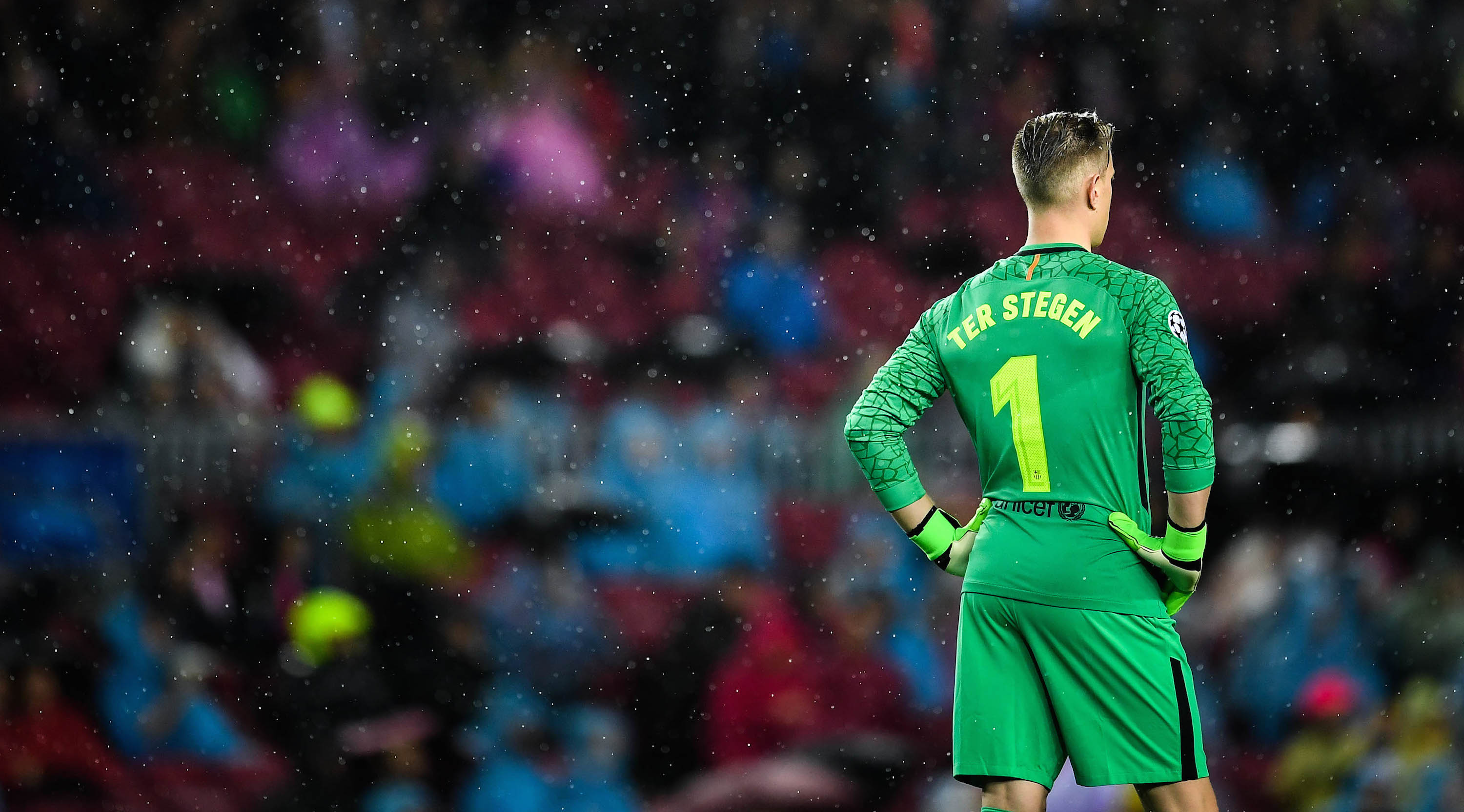 BARCELONA, SPAIN - OCTOBER 18: Marc-Andre ter Stegen of FC Barcelona looks on during the UEFA Champions League group D match between FC Barcelona and Olympiakos Piraeus at Camp Nou on October 18, 2017 in Barcelona, Spain. (Photo by David Ramos/Getty Images)