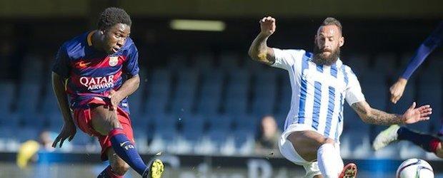 Jean Marie Dongou dispara a portería ante un defensor del Atlètic Balears.