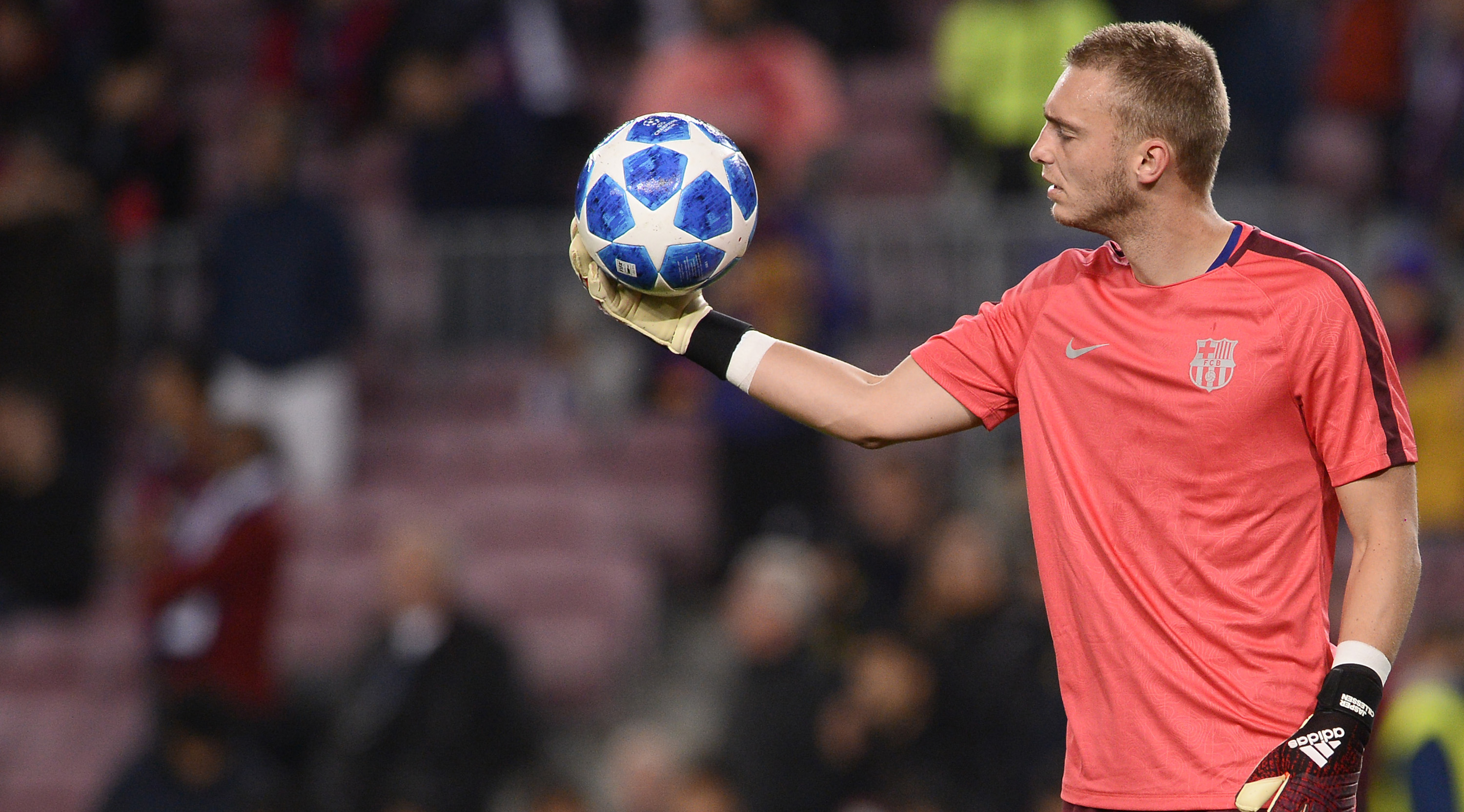 Barcelona's Dutch goalkeeper Jasper Cillessen warms up before the UEFA Champions League group B football match between FC Barcelona and Tottenham Hotspur at the Camp Nou stadium in Barcelona on December 11, 2018. (Photo by Josep LAGO / AFP) (Photo credit should read JOSEP LAGO/AFP/Getty Images)