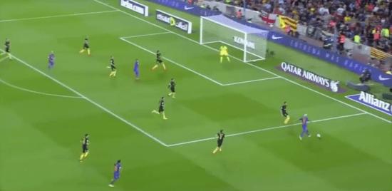 -Aparición de Neymar en el lado derecho del ataque culé.-