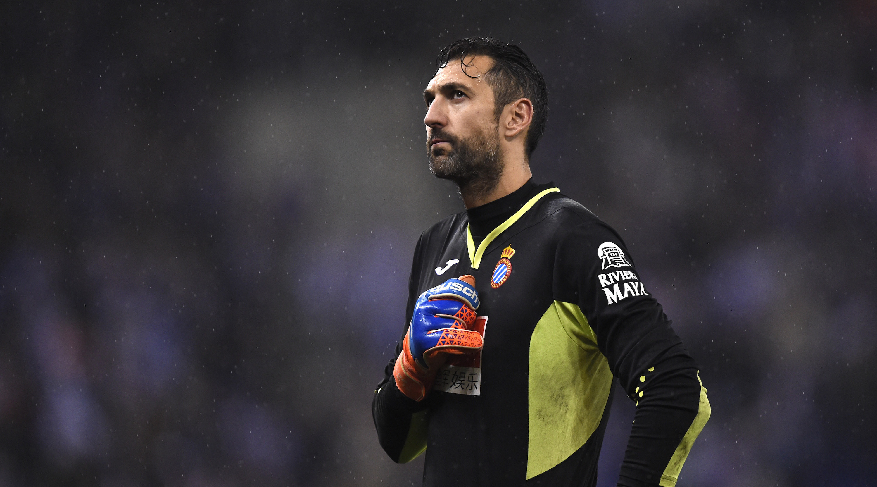 BARCELONA, SPAIN - JANUARY 17: Diego Lopez of Espanyol looks on during the Spanish Copa del Rey Quarter Final First Leg match between Espanyol and Barcelona at Nuevo Estadio de Cornella-El Prat on January 17, 2018 in Barcelona, Spain. (Photo by Alex Caparros/Getty Images)