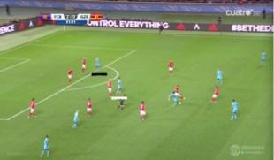 Luis Suárez apareciendo en la frontal ante el Guangzhou, con Munir como atacante más adelantado.